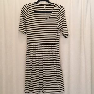 Black and White Pullover Dress